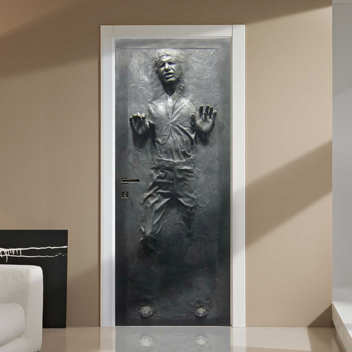 lifesize-star-wars-han-solo-frozen-in-carbonite-walldoor-decal-1